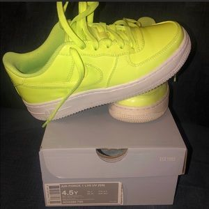 Air Force 1 lime green